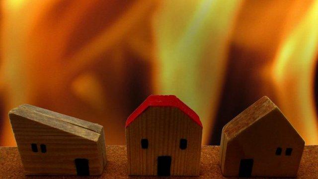 防火シャッターの構造や自動閉鎖装置・危害防止装置について