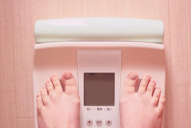 睡眠不足が肥満の原因?